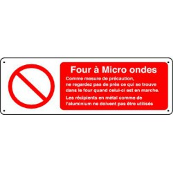 FOUR A MICRO ONDES