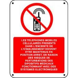 LES TELEPHONES MOBILES CELLULAIRES PRESENTS…