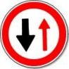 Panneau Cédez le passage à la circulation venant en sens inverse