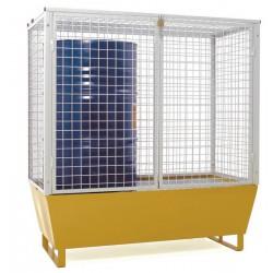Cage grillagée, permet de stocker les fûts en toute sécurité