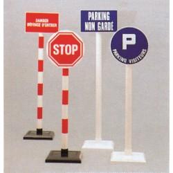 Poteau PVC sur socle pour panneaux PVC tous formats